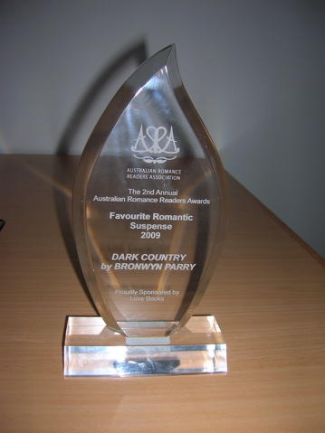 ARRA Award - Dark Country - Favourite Romantic Suspense 2009